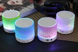 2019 haut-parleurs de l'ordinateur mobile Mini haut-parleur Bluetooth haut-parleurs LED couleur flash A9 mains libres sans fil haut-parleur stéréo Radio FM carte TF USB pour iPhone téléphone portable ordinateur haut-parleurs de l'ordinateur mobile pas cher