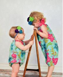 Photos des pneus en Ligne-Pneus pour enfants coiffe BÉBÉ cheveux de couleur de fleur avec bande de cheveux photos de BÉBÉ jouent le rôle de est goûté bandes de cheveux d'enfant en bas âge