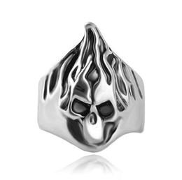 Novo esqueleto crânio chama anéis de dedo declaração anel anel de banda para homens mulheres liga de zinco crânio anéis declaração jóias presente de natal de Fornecedores de esqueleto de chama