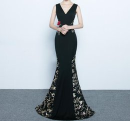 Wholesale Beautiful Red Carpet Dresses - V-Neck Sleeveless Black Sexy Mermaid Gold Applique Beautiful Evening Dresses Modern Evening Gowns Cheap Prom Dresses