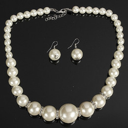 Wholesale Middle Pearls - Imitation pearls Bridal Jewelry Sets Fashion Crystal Wedding Gift Classic Statement Collar Choker Necklace Earring Sets for Women Wholesale