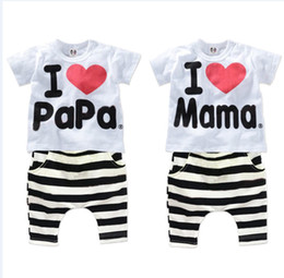 Wholesale T I Suit - Wholesale- new 2017 boys and baby girls clothing set 100% cotton suit I Love Papa & Mama letters Short-sleeved T-shirt + striped PP pants