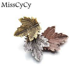 Wholesale Vintage Leaf Pin Brooch - Wholesale- Broche Mujer Vintage Pin Maple Leaf Brooch Gold Silver Plated Brooches Pins Exquisite Collar For Women Dance Party Accessories