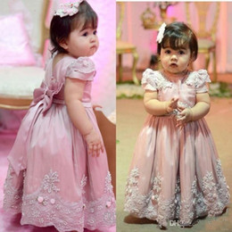 Wholesale Wedding Dresses For Children Cute - 2018 Cute Flower Girls Dresses For Wedding Jewel Neck Short Sleeves Princess Lace Appliques Pearl Sashes Children Kids Party Communion Gowns