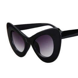 Gafas de sol rojas de gran tamaño online-Peekaboo 2017 ojo de gato gafas de sol de la vendimia mujeres top fashion blanco de gran tamaño sexy cat eye sunglasses para mujeres negro rojo lentes