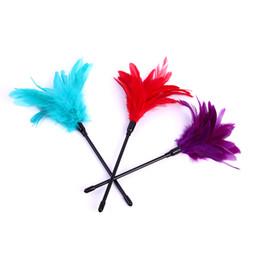 campanas pezón cadenas Rebajas 29 CM 3 color Rojo Feather flirt stick Tickler Happy Spanking Aid Burlas Juguete erótico Parejas adultas Sexo adlut Juegos para mujeres hombres