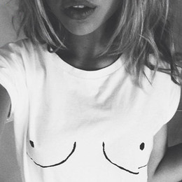 mésange Promotion 2017 Nouvelles Femmes T-shirt Mésange Blanche Tee De Poitrine Imprimé T-shirt Emoji Tees Street Boob Harajuku Femmes Tshirt Plus grande taille S-3XL