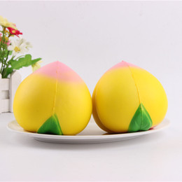 Wholesale Photographic Props - 9cm New Hot Yellow Simulation Big Peach Squishy Toy Soft Squishies Slow Rising Peaches Pendant Photographic Props Fruits Pendant Top Quality