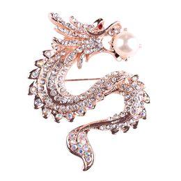 Pasadores bufanda de china online-Moda de lujo hombre mujer oro broche de imitación de color perla Rhinestone dragón chino Breastpin ramillete bufandas Hijab solapa Pins