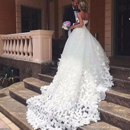 Wholesale Lace Butterfly Wedding Dress - Ball Gowns Wedding Dress 2017 Handmade Butterfly Sweetheart Cathedral Train Dainty Bridal Wedding Gowns Dresses vestido de noiva