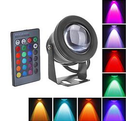 Cambio de color bajo el agua luces led online-Nuevo 2017 10W RGB LED Luz subacuática Impermeable IP68 Fuente Lámpara de la piscina 16 Cambio de colores con 24Key IR remoto