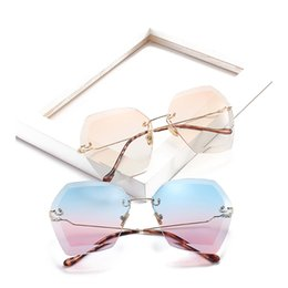 Wholesale Male Fashion Eyeglasses - Luxury Sunglasses Men Women Metal Eyeglasses Fashion Rimless Shades Brand Designer Sun Glasses High Quality UV400 17042
