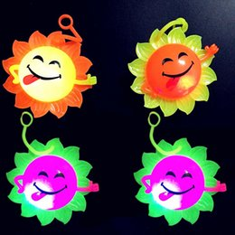 Wholesale Pottery Face - The new hot sun flowers smiling face luminous Maomao flash vent Call Ball colorful sound massage ball wholesale