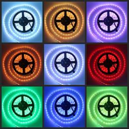 Rosh geführtes streifen online-Günstige neue RGB LED-Lichtleiste 5M Flexible 16ft 5050 SMD 300 LEDs WASSERDICHT DC 12V CE ROSH