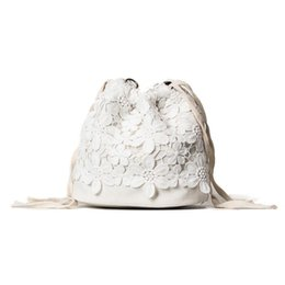 Moda mujer bolsos de verano Drawtring Lase Solid PU lindo Joker informal estilo coreano negro blanco para la señora joven mochila Crossbody bolsa desde fabricantes