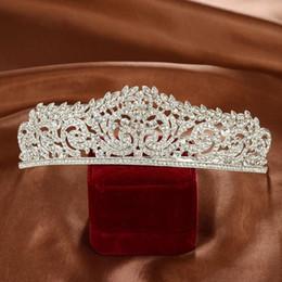 Wholesale Bridal Fashion Headpiece - New Crystals Wedding Crowns 2017 Bridal Crystal Veil Tiara Crown Headband Hair Accessories Wedding Party Tiara Fashion Headpieces