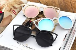 Wholesale Wholesale Personalized Sunglasses - New street shooting colorful personalized sunglasses Europe and the United States trend cat eye tide sunglasses hot female models glasses
