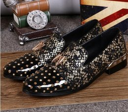 Wholesale Boat Careers - Genuine Leather Men Rivets Studded Moccasins Casual Flat Shoes Mens Loafers Spiked Flats Pointed Toe Party Prom Boat Shoe