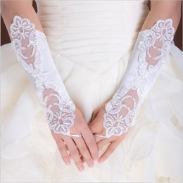 Wholesale Short Red Lace Wedding Gloves - Cheap Price Lace Fingerless Appliques Below Elbow Length Gloves Short Bridal Wedding Gloves With Crystals White Ivory In stock
