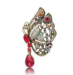 Regalo de la joyería del partido de la vendimia de novia Accesorios mariposa del hueco broches cristalinas del Rhinestone de la mariposa broche de moda de boda desde fabricantes