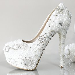 Wholesale Cheap Bridal Shoes Crystals - Shiny Crystal Pearls Wedding Shoes For Women 2017 White Ivory High Heel 10CM 12CM PU Cheap Bridal Gown Party Prom Pumps Fast Shipping