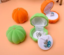 Wholesale Velvet Necklace Gift Boxes - Pumpkin Boxes Velvet Jewelry Ring  Earring Gift Packaging Display Box For Wedding Jewelry Boxes 2017 New Style