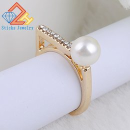 Wholesale White Gold Ring Insert - NEW ARRIVAL Top Quality P Ring White gold Plated Micro-inserts Crystals Imitate Pearl Rings For Women Wedding Jewelry