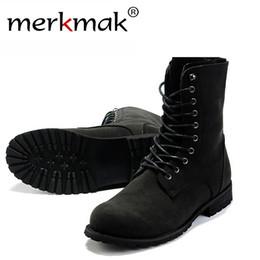Botas de invierno para hombres online-Retro botas de combate de invierno de estilo de Inglaterra de los hombres de moda High Top zapatos negros Venta caliente Hombre Botines LS034