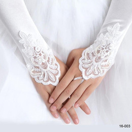 Wholesale Satin Beaded Bridal Gloves - New Arrival White Ivory Beaded Appliques Lace Fingerless Bridal Cocktail Gloves Accessories For Wedding Free Shipping