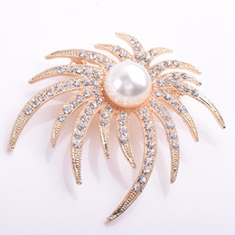 Wholesale Crystal Starfish Brooch Pin - Wholesale- Korea Fashion Imitation pearls Brooch Crystal Starfish Boutonniere Pins High-grade Wedding Brooches For Women Jewelry ZYXS51