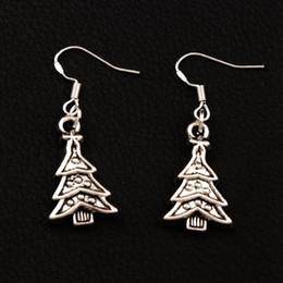 Dreieckige ohrringe online-Weihnachtsbaum Dreieckige Blätter Ohrringe 925 Silber Fisch Ohr Haken 40 Paare / Los 14,4 x 40,7 mm tibetischen Silber Kronleuchter Schmuck E747