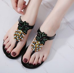 Wholesale Jelly Shoes Rhinestones - Ladies Slippers Summer Style Transparent Crystal Jelly Shoes Fashion Rhinestones Flip Flops Beach Slippers Tongs Sandales Femmes