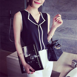 Wholesale new korean women fashion blouse - 2017 New Fashion Women Top Korean Loose Summer Chiffon Sleeveless V-neck Patchwork Black White Slim Party Work Plus Size Blouse