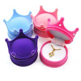 Wholesale Diamond Flip Cases - Four Colors Box Flannelette Crown Shape Jewelry Case With Diamond Flip Top Design Rings Packing Boxes Soft 3 8zr B