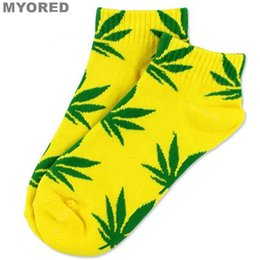 Wholesale Christmas Socks For Men - 23 candy colors christmas plantlife socks Maple Leaf Socks Unisex Skateboard Sock Xmas Hiphop Sock sport Crew Ankle Socks for men women