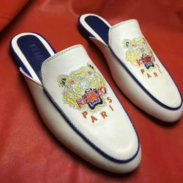 Wholesale Lady Shoes Style - 2017 Embroidery Slippers Flat heels Genuine leather Cover toe Ladies Casual Shoes Print Rome Style Summer Slide Slippers Fashion New