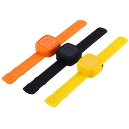 Argentina Al por mayor-Deportes Wearable Mini Relojes Reproductor de Música Mp3 Pulsera Muñeca Reproductor Mp3 W / Micro TF Tarjeta de Regalo de Moda cheap wrist sports watch mp3 Suministro