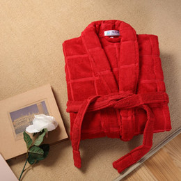 Wholesale Plus Size Towels - Cotton bathrobe women grid sleepwear nightgown for girls blanket towel robe thickening lovers long soft plus size autumn winter
