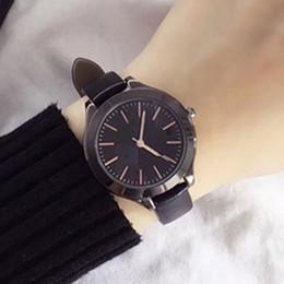 Japão vestido preto on-line-2019 Moda Feminina relógios de couro feminino relógio de quartzo senhora Vestido preto relógio de pulso Famoso projeto Japão Movimento Relojes De Marca Mujer