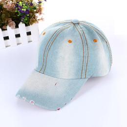 All ingrosso-2017 nuova primavera estate autunno unisex denim berretti moda  uomo donna cowboy berretto da baseball cappelli da sole jeans cappello 1e3f6fb245fc