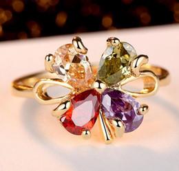 b13c1e7a499 Moda Cristal Arco-íris Anéis Cluster Quatro Clover Austríaco CZ Zirconia Flor  Anel de Dedo Para As Mulheres de Noivado Casamento Jóias