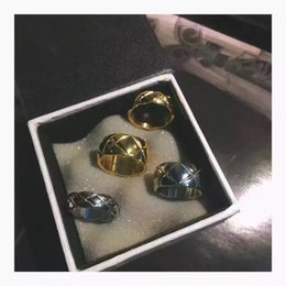 Wholesale Engagement Rings Box Jewelry Gift - Fashion Simple Men And Women Ring Men Jewelry Stainless Steel Rings Plating Gold Wedding Engagement Ring US size 6-9 with box