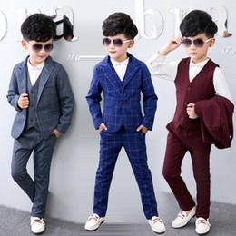 Wholesale Boys Gray Formal Suits - British Style Boys Gentleman Suit Cotton Plaid Formal Suit 4 Pcs Tuxedo Clothing Set for Flower Boys Wedding Suit Boy Formal Suits Boutique