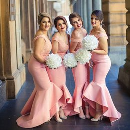 Wholesale Trumpet High Low Dresses - 2017 Pink Arabic Sweetheart Off Shoulders Bridesmaid Dresses Backless Lace Bodice High Low Dubai Ruffle Long Dresses