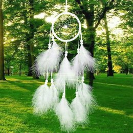 перья индия Скидка Wholesale- 1pcs Dreamcatcher India Style Handmade Dream Catcher Net With Feathers Wind Chimes Hanging Carft Gift For Home Car Decoration