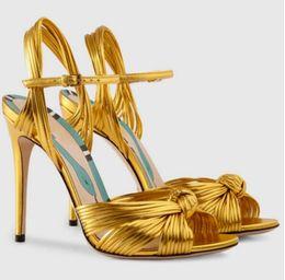 Scarpe celebrità online-2017 donne sandali color oro estate scarpe da festa sexy punta di pesce scarpe celebrity sandali gladiatore testa di serpente rosa tacchi alti