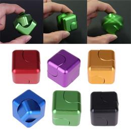 Nouveau Alliage Cube Fingertip Gyro Tourbillon Carré Cube Fidget Spinner EDC Jouets De Décompression Spinner À La Main avec la boîte au détail Free DHL ? partir de fabricateur