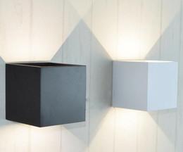 Canada AC 110V 220V Étanche 6W Cube En Aluminium Éclairage LED Applique Murale Lumière Éclairage À La Maison Moderne Éclairage Intérieur Décoration Extérieure Offre