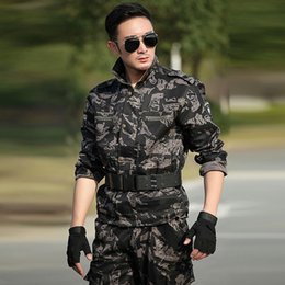 Wholesale Clothing Hunting Suit - Hunting Clothes For Men Tactical Military Uniforms Combat Black Hawk Camouflage Army Fans Men's Outdoor Suit Equipment Tactical Jacket Sets