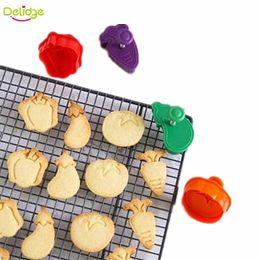 Prensa de cortar bolinhos de plástico on-line-Delidge 4 pçs / set Vegetal Biscoito De Plástico Vegetal Cenoura Tomate Berinjela Pimenta Forma Imprensa Cookie Cutter Biscuit Bolo Fondant Set